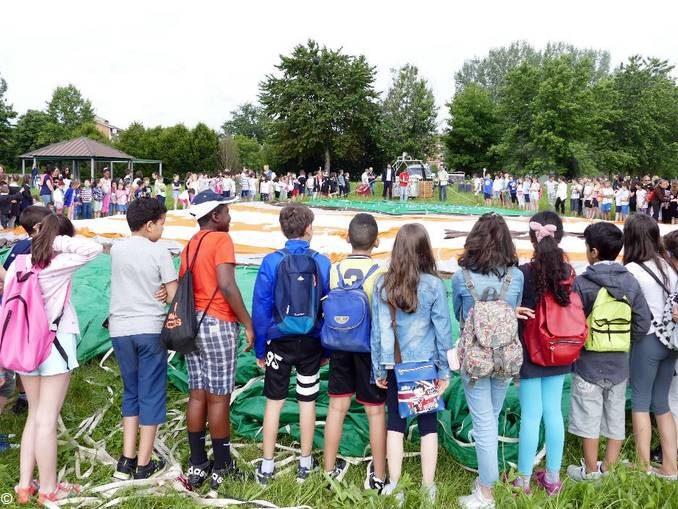 A Mondovì oltre 200 bambini sono andati a scuola di mongolfiera