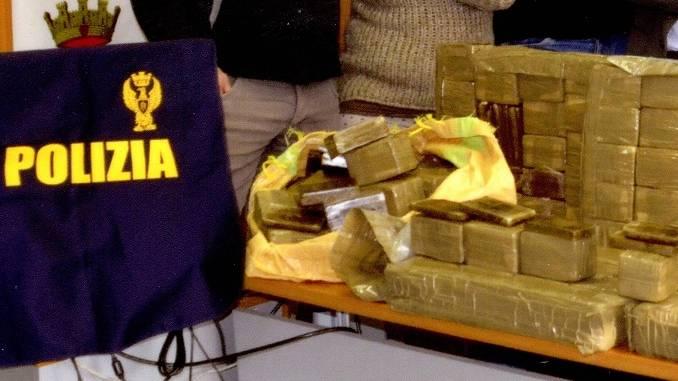 Arrestati a Bra i grossisti dello spaccio di droga nel cuneese. Sequestrati oltre 120 kg di Hashish