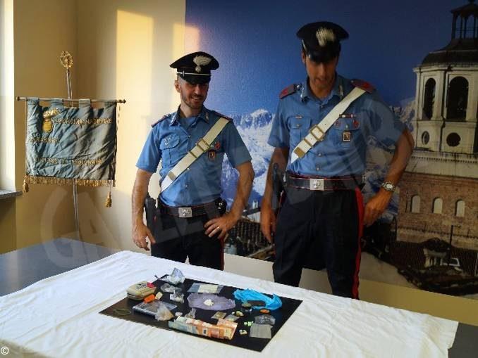 Stupefacenti: arrestati per il possesso ai fini di spaccio di 50 grammi di varie sostanze 1
