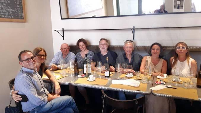 Delegazione europea in visita informale nel cuore delle Langhe coni 5 stelle Martinetti e Beghin