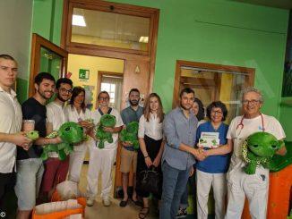 Langa corp dona 50 peluche alla pediatria del San Lazzaro di Alba