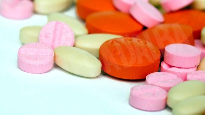 5.500 pasticche di droghe sintetiche nascoste in una valigia