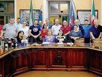 Corneliano: omaggio del Consiglio per il segretario che va in pensione