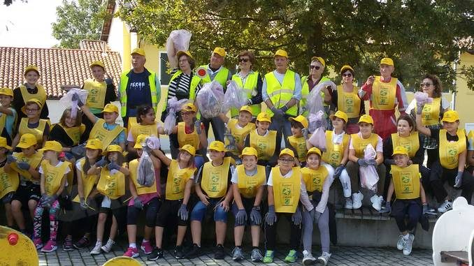 A Piobesi gli alunni di quarta e quinta hanno partecipato a Puliamo il mondo