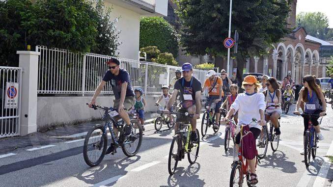 Amici in bici: la pedalata apre la festa alla Moretta 21