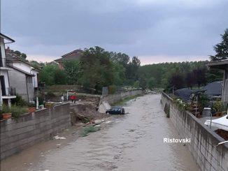 Chiuso il sottopassaggio di corso Piera Cillario, rimane alta l'allerta maltempo ad Alba, Langhe e Roero