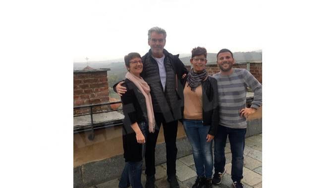 Pierce Brosnan alla Fiera del tartufo di Moncalvo e al Museo del vino di Barolo
