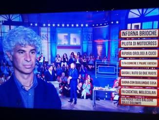 """Il """"rifiutologo"""" albese Roberto Cavallo protagonista de """"I soliti Ignoti"""" su Rai Uno"""