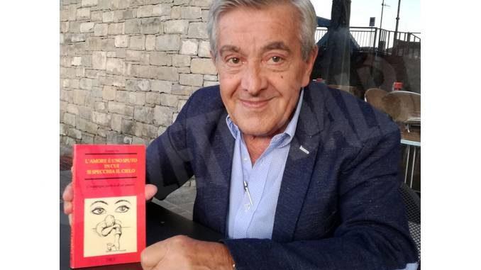 Aperitivo poetico ad Alba con i versi dell'ex sindaco di Bergolo Romano Vola