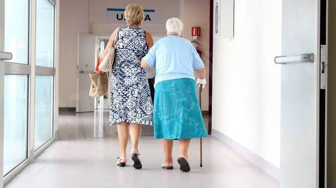 Le cure in una società più anziana