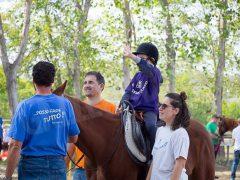 Sportabili: festa di fine stagione per il gruppo di equitazione con un bel dono da parte degli alpini 1
