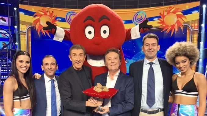 """La XX Asta mondiale del tartufo bianco d'Alba a """"Striscia la notizia"""""""