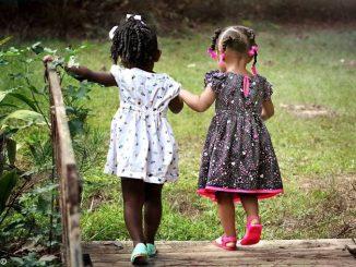 Quattro bambini su mille devono lasciare i genitori 1