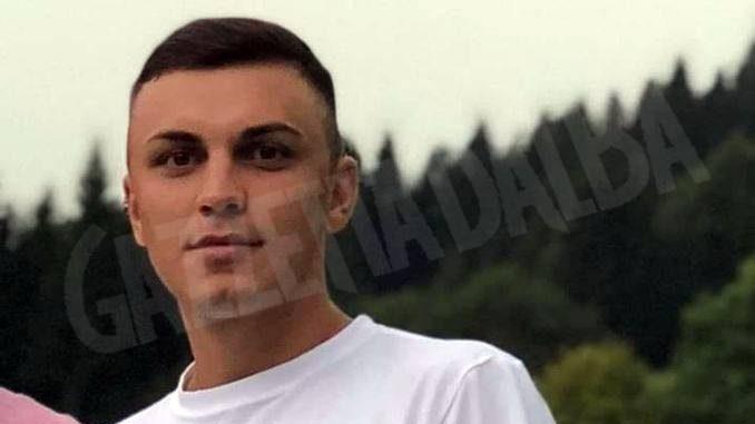 Auto fuori strada a San Damiano, morto un ragazzo di 23 anni