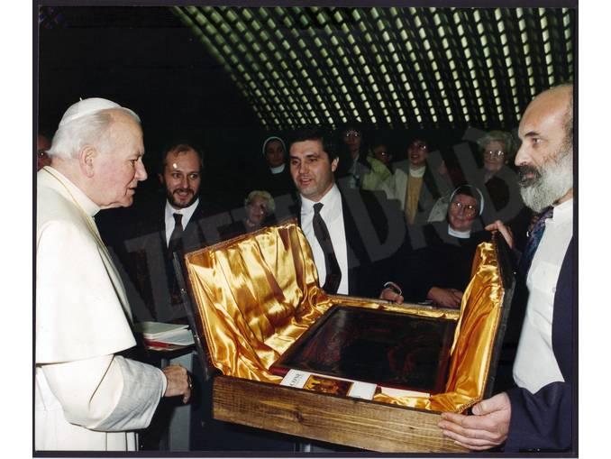 Emil Marinov Tzeinsk con Papa Giovanni Paolo II