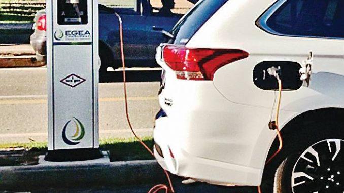 Alba si attrezza con 18 colonnine di ricarica per le auto e le bici elettriche