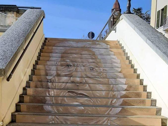 bra-scalinata segre1