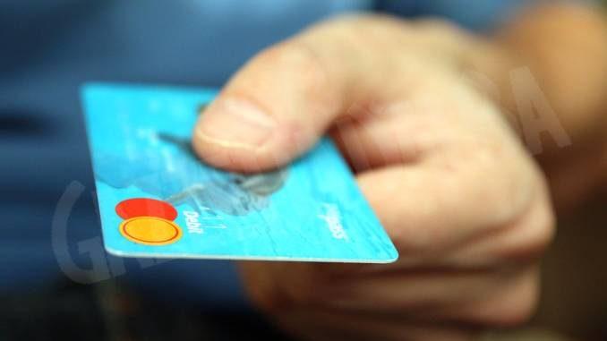Denunciati dalla Polfer di Asti per il furto di una carta di credito