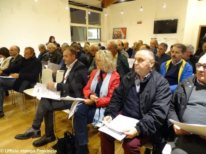 Ad Alba mercoledì 20 novembre terzo confronto Provincia-Comuni sulla ripartizione dei fondi per strade e scuole