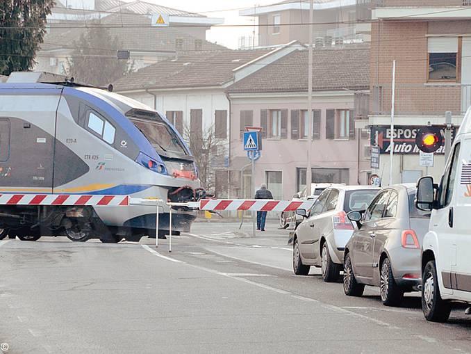 traffico passaggio a livello
