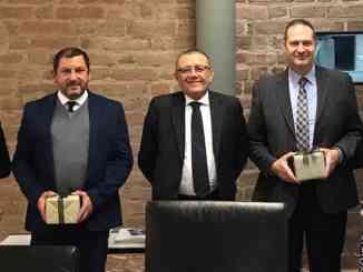 Premiati i dipendenti che da 25 anni lavorano in Banca d'Alba