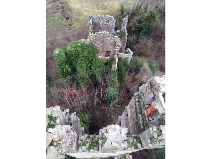 Lavori al castello di Gorzegno 2