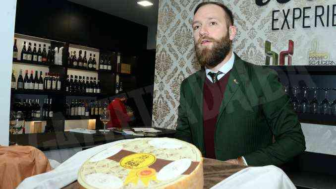 Piace la prima Asta dei formaggi: il ricavato è di 1.400 euro. 8