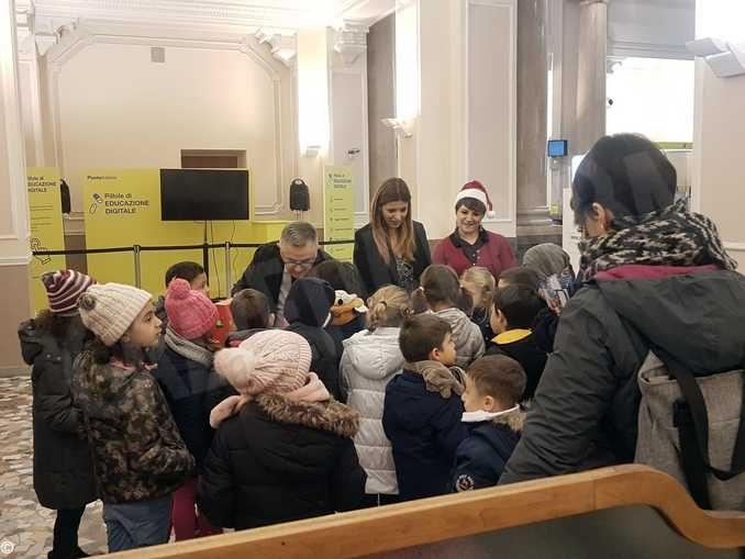 Poste italiane: a Cuneo gli alunni della scuola Soleri scrivono a Babbo Natale