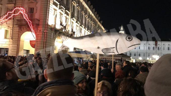 40 mila sardine a Torino: il racconto di una di loro