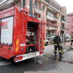 Grave incendio in un alloggio, evacuata una persona