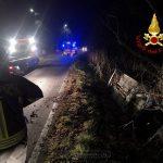 Alba: auto fuori strada ad Altavilla, tre persone trasportate al San Lazzaro