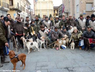 Il raduno nazionale dei trifolao chiude la stagione del bianco d'Alba 10