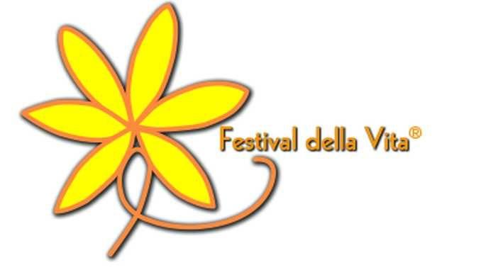 Il Festival della vita celebra la decima edizione con donazioni di libri e giochi 1