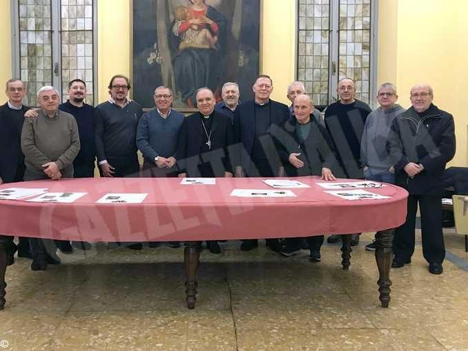 Chi sono i diaconi al servizio delle comunità parrocchiali