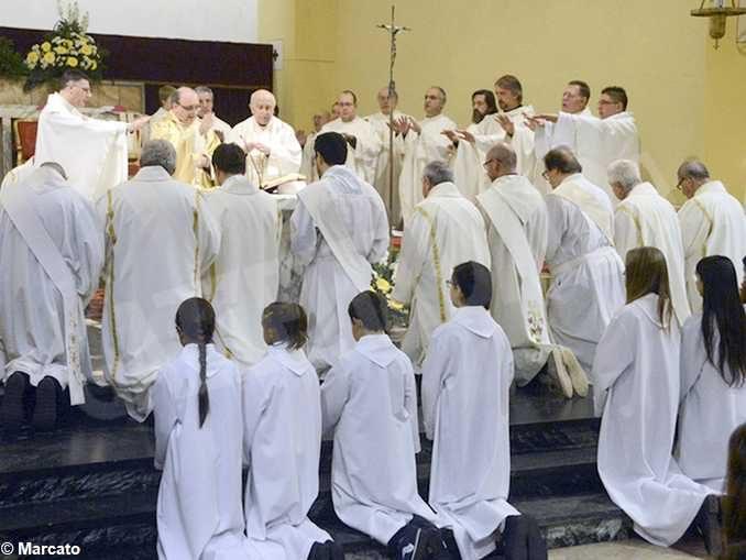 Chi sono i diaconi al servizio delle comunità parrocchiali 1