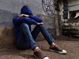 Baby gang minacciava e derubava minorenni in stazione: tre arresti 2