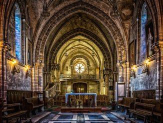 I religiosi gli davano ospitalità, lui ruba nella loro chiesa: arrestato