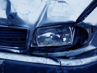 Incidente con quattro auto coinvolte