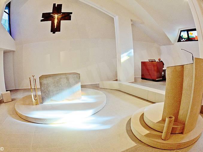 interno chiesa Montà