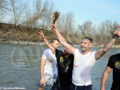 Per l'epifania della comunità ortodossa si ripete il rito della benedizione dell'acqua 7