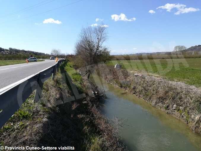 Sistemazione frane e cedimenti sulla provinciale tra Pollenzo e Cantina di Roddi 1