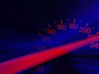 Fast and Furious a Torino: folle gara di velocità tra due carro-attrezzi