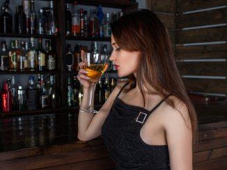 Anna: c'è chi esagera con 4 o 5 drink prima della discoteca