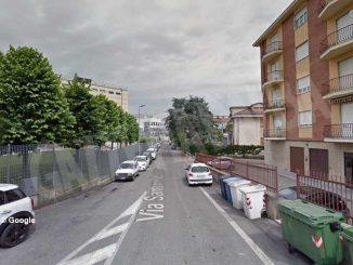 Da lunedì niente sosta in via Santorre di Santarosa per un cantiere