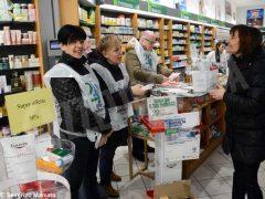 Raccolta dei farmaci per aiutare i bisognosi 1