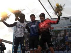 Ciclismo, Diego Rosa sfiora la vittoria al Trofeo Laigueglia: è terzo tra gli applausi del suo fans club (FOTO)