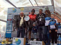 Ciclismo, Diego Rosa sfiora la vittoria al Trofeo Laigueglia: è terzo tra gli applausi del suo fans club (FOTO) 4