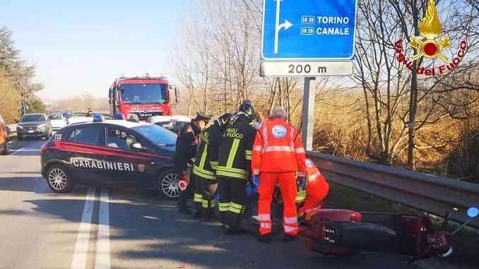 Vespa contro un'auto a Scaparoni, interviene l'elisoccorso, vespista trasportato al Santa Croce