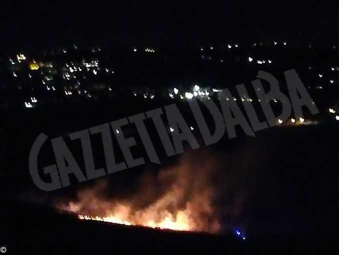 Nella serata di ieri è stato spento l'incendio alle sterpaglie a Rio Freddo di Neive