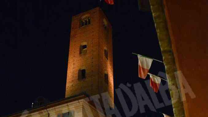 Venerdì 6 c'è M'illumino di Meno, Alba spegne le torri e invita ad aumentare le zone verdi